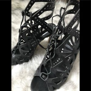 Dolce Vita - lace up heels / size 7